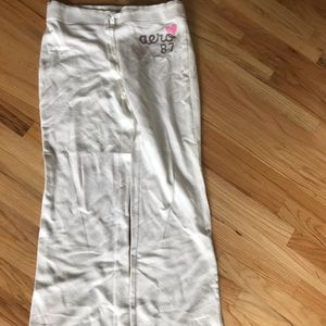 White sweats no rips/stains smoke & pet free home